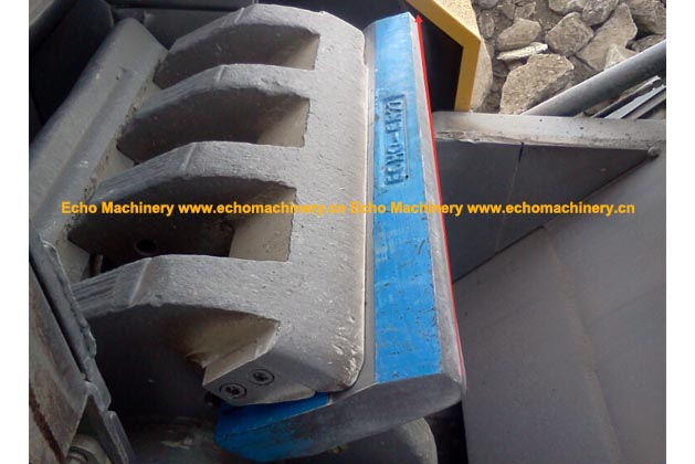 Echo Machinery Rubble Master RM80 Blow Bar During Usage